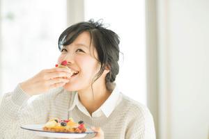 ちょっとした工夫でOK!食べ過ぎ防止に効果的な習慣とは