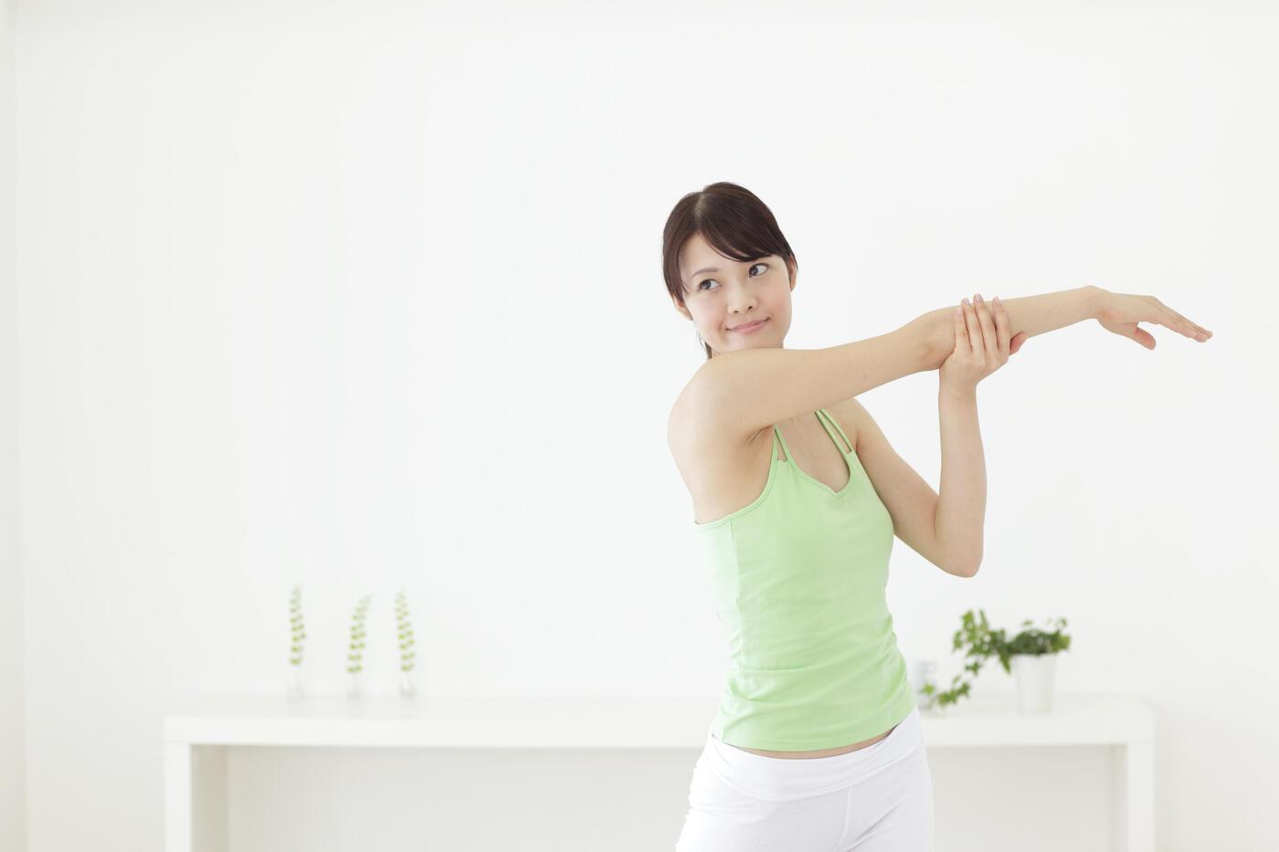 二の腕ダイエットの方法を知りたい!効果のあるグッズやエクササイズとは