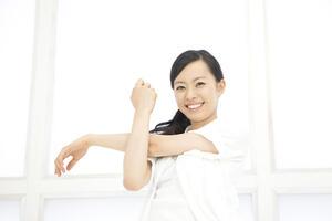 二の腕を引き締める!痩せ効果大のエクササイズを紹介