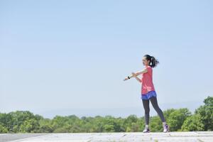 O脚をなおして身長を伸ばそう!ストレッチや姿勢を改善するコツ