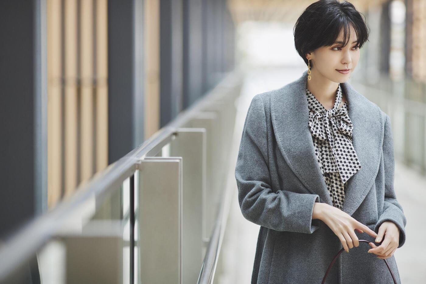 オンオフに活躍する、  働く女性の理想的なコートを発見!